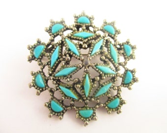 Art Deco Inspired - Symmetrical - Turquoise-colored Round Pin/Brooch in Silver-toned Setting - Very Detailed