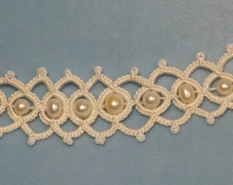 Tatted White Silk and Pearl  Bracelette