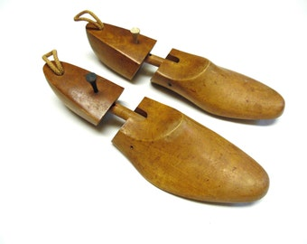 Rochester Shoe Tree Company Functional Art Made In USA Size Medium Wooden Stretchers D 134416