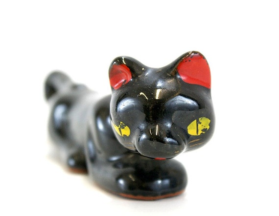 Vintage Slinky Black Cat Figurine with Yellow Eyes (E5529)