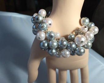 Chunky Pearl bracelet, blush pink Pearl bracelet, gray Pearl bracelet. Cluster Pearl bracelet
