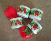 Set of 4 Strawberry Napkin Rings // Hallmark