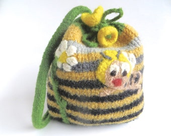 "Felt bag/pouch ""Maya"", pure new wool, crocheted, felted, yellow, black, green, white, honey bee, daisy, flower, stripes, OOAK, one of a kind"