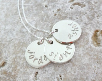 Name Necklace | Mommy Necklace | Name Plate Jewelry | Gift for Mom | Gift for Grandma | Family Jewelry | Sterling Silver Pendants | Engraved