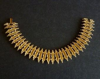 Avon Starflower Bracelet, Gold Tone Link Bracelet