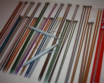 23 Pairs of Assorted Size Knitting Needles