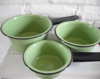 Vintage Enamel Ware Pans - Avocado Green