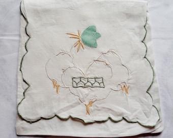 Vintage 1960s Embroidered Linen Hankie/Lingerie Holder