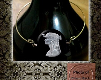 CLEOPATRA Ancient Egyptian Queen of the Nile Brass wire Bangle Bracelet with Charm n Rhinestone