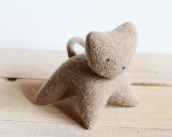 small  wool kitten - petit chaton de laine