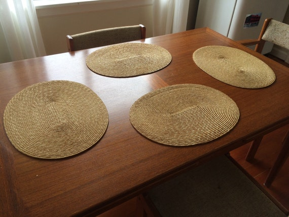 natural fibers spiral construction straw oval placemat set. Black Bedroom Furniture Sets. Home Design Ideas
