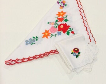 Vintage Square Tablecloth with Napkin Set