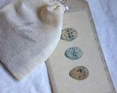 Tiny paper bird ephemera in muslin bag, french ephemera, vintage ephemera, paper confetti, bird confetti.