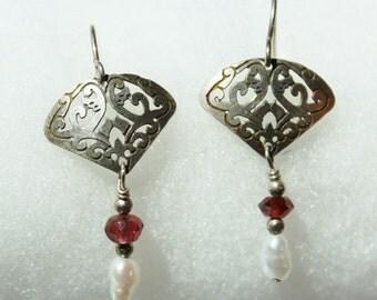 Vintage Drop Earrings Silver and Fresh Water Pearls