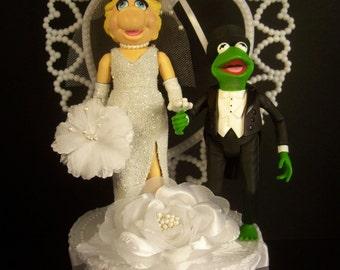 KERMIT the Frog in black Tux & Miss Piggy Wedding Cake Topper FUNNY The MUPPET Show Mayhem