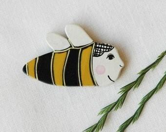 Hand painted bee brooch, bumble bee pin ,woodland brooch,animal brooch