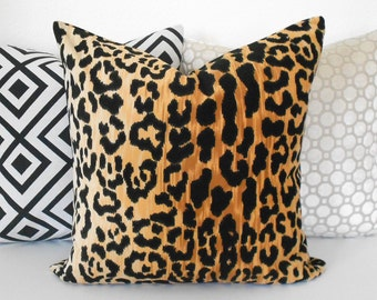 Leopard velvet decorative pillow cover, animal print pillow