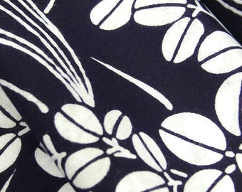 Vintage Japanese cotton yukata kimono fabric 92cm x 34 cm 1yd indigo blue clover