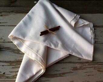 Mid Century Ivory Plain Round Tablecloth - Vintage Table Linens, Plain Tablecloth, Antique White Table Linens, Vintage Wedding Table Linens