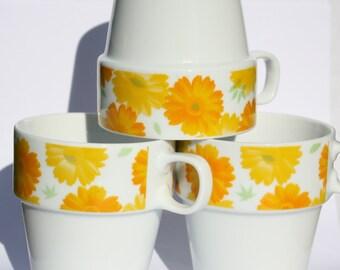 Retro coffee mugs, vintage 1970's, set of three, stackable