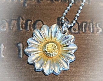 Daisy necklace silver and gold