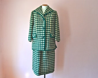 1960's Green Matching Coat and Skirt. Houndstooth Skirt Suit.   Heavy Wool.  Straight Skirt.  Modern Size Medium Large  - VDS148
