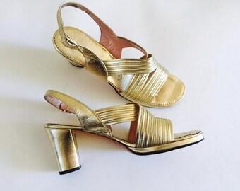 Vintage gold platform shoes metallic heels criss cross Size 8