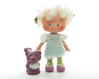 Angel Cake Doll with Souffle Skunk Pet Vintage Strawberry Shortcake Friend Kenner Toys