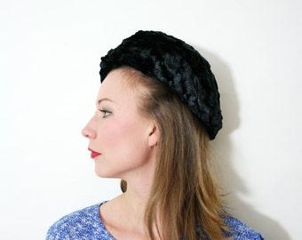 Vintage Chunky Knit Black Velvet Beret Hat