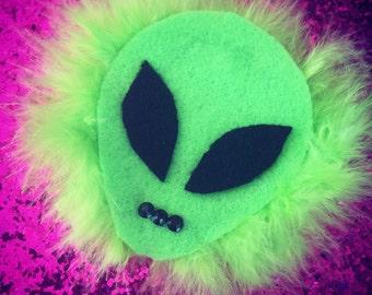 Alien hair clip