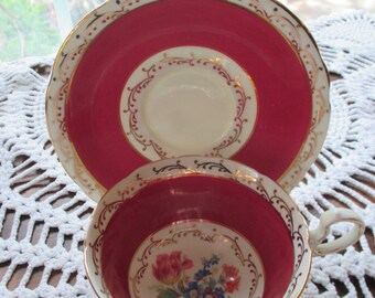 Vintage Aynsley Tea Cup and Saucer Set - (1950's)