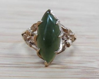 Vintage Genuine JADE Solitaire Floral Design 10K yellow gold ring size 7 Shop Now for Mother's Day  Birthdays Anniversaries Engagements