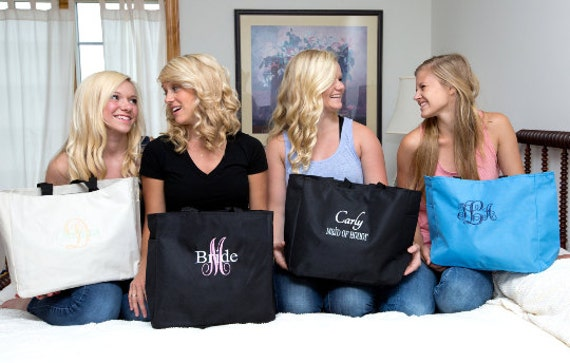 Embroidered Monogrammed Tote Bag - Set of 9 - Bride, Maid of Honor, Bridesmaid Gift