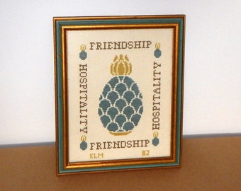 Vintage Pineapple Welcome Sign Cross Stitch Wall Hanging Friendship Hospitality Gift Wooden Oak Frame