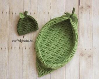 Newborn Pea Pod With Mathing Leaf Hat Crochet Photo Prop Set
