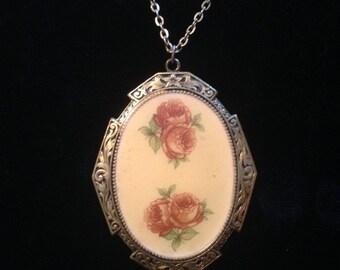 Vintage Oval Floral Pendant
