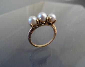 Vintage Art Deco 3 Pearl Ring 10k