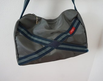 Vintage Gray Vidal Sasson Carry On Duffel Bag