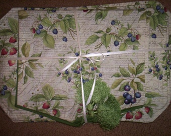 Summer Placemat Set (8) with Matching Table Runner