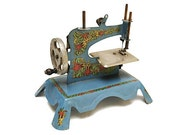 Ma Cousette ~.~ Toy French Sewing Machine