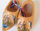Vintage miniature Dutch Wooden Clogs Shoes windmills handpainted 4.5""