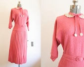 1940's Knit Set / Rose Sweater and Skirt with Detachable Collar / Medium Large
