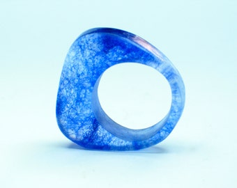 Resin ring. cobalt blue. marine. ombre. Modern jewelry. Cocktail ring. comtemporary Chunky resin. resin jewelry. clear ring OOAK