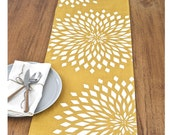 Graphic Zinnia Table Runner - Mustard / WhIte