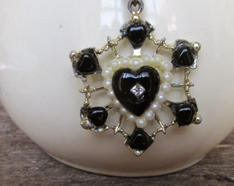Upcycled Vintage Heart Necklace, Romantic Antique Necklace,, Black White Pearl Necklace, Valentine's Day Gift