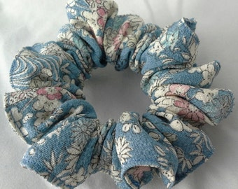 Silk hair scrunchie tie made with vintage kimono silk - light blue floral design