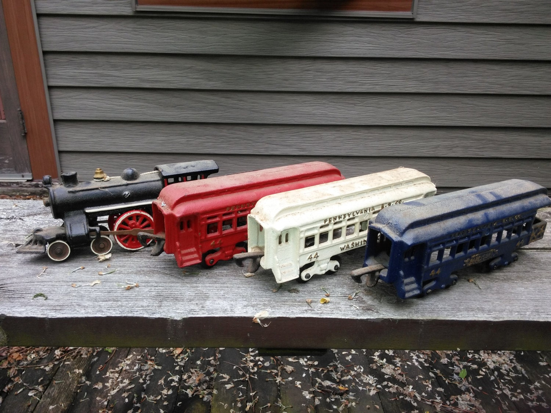 Nycrr Cast Iron Train: Vintage Cast Iron Train Set Pennsylvania 44