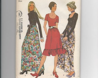 UNCUT Vintage Sewing Pattern Simplicity 9602 for Dress and Sash, Sz 12, 1970s