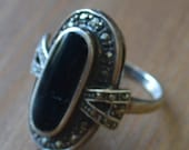 Nice antique art deco style sterling silver cocktail ring with marcasites and onyx glass / UTWEYN