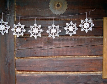 Silver sparkling Xmas snowflakes , Christmas snowflake ornaments, white silver crochet lace snowflakes , Christmas tree decoration